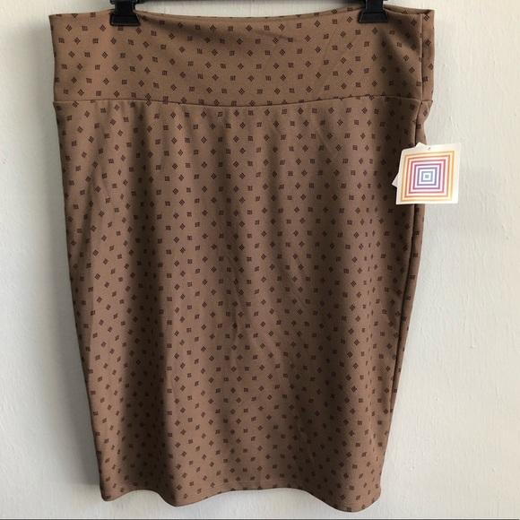 LuLaRoe Dresses & Skirts - NWT LuLaRoe Cassie brown square polka dot 2XL.